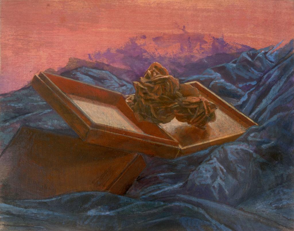 Rosa del desierto y cajas de madera entre oleaje de telas II-Juan Vaquerizo