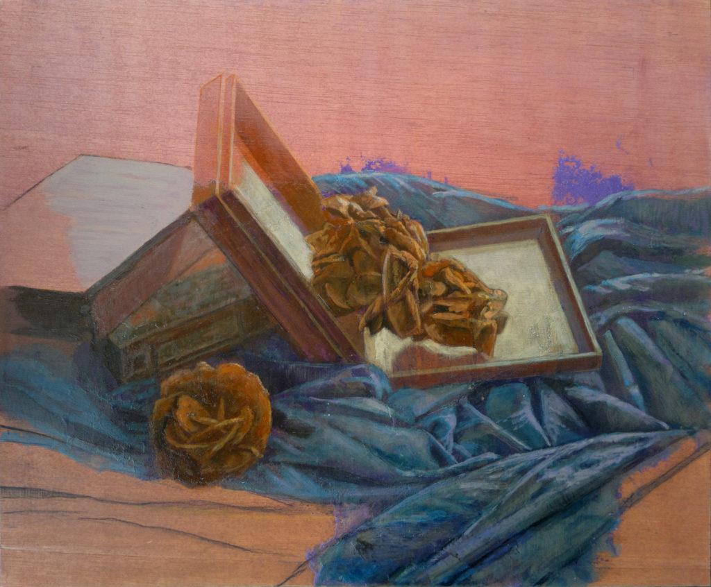 Rosa del desierto y cajas de madera entre oleaje de telas III-Juan Vaquerizo